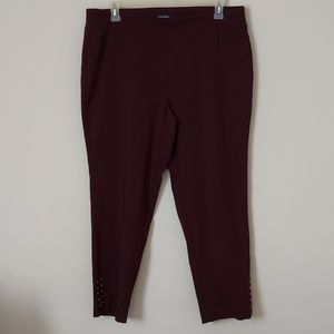 Roz & ALI Maroon Pull Up Ankle Pants